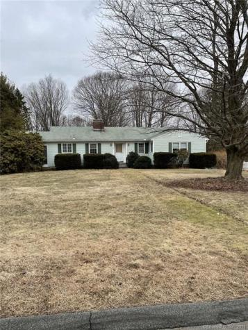 114 Green Hill Middlebury CT 06762