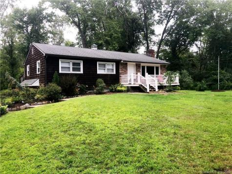 13 Old Turnpike Brookfield CT 06804