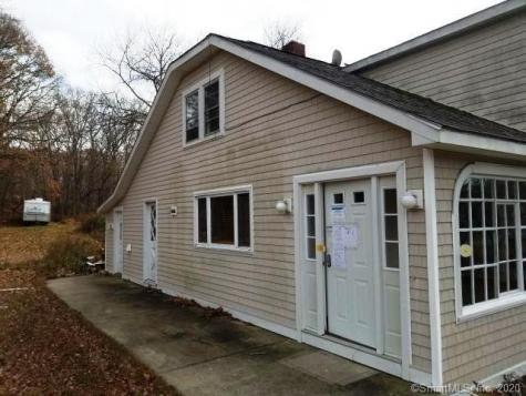 53 West Groton CT 06340