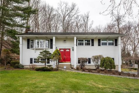 23 Indian Hill New Fairfield CT 06812