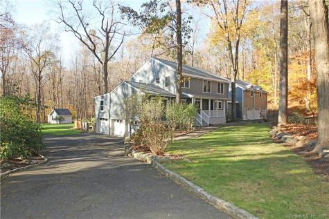 53 Old Stagecoach Redding CT 06896
