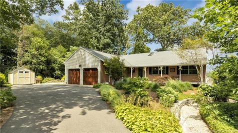 4 Colonial East Lyme CT 06333