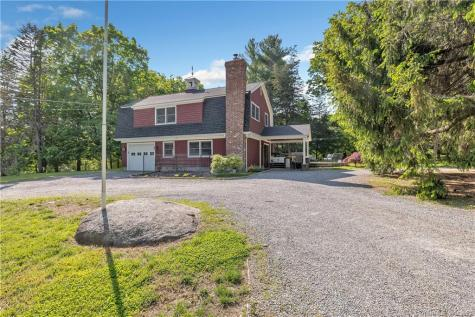 82 Great Ring Road Newtown CT 06482