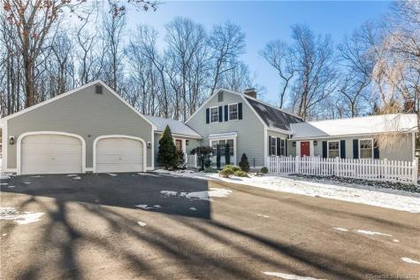 14 Hilltop Bethany CT 06524