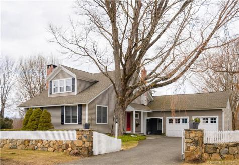 95 Long Meadow Hill Brookfield CT 06804
