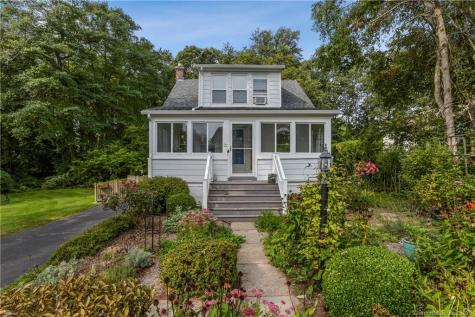 22 Forest Waterford CT 06385