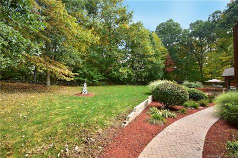 35 Old Farms Andover CT 06232