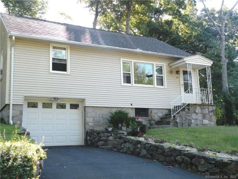 62 Three Mile Hill Middlebury CT 06762