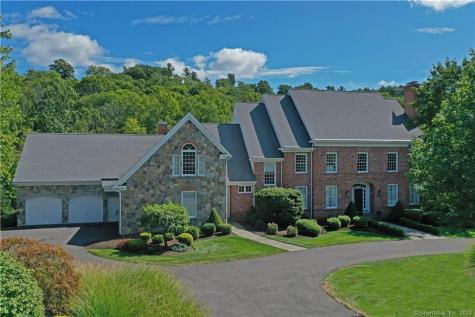 57 Far Hills Avon CT 06001