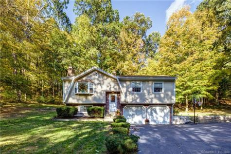 57 Pepper Tree Hill Southbury CT 06488