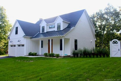 49 Trumbull Waterford CT 06385