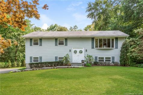 26 Indian Hill New Fairfield CT 06812