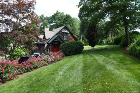 49 Chimney Point New Milford CT 06776