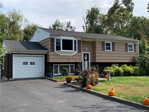 15 Hillside Brookfield CT 06804