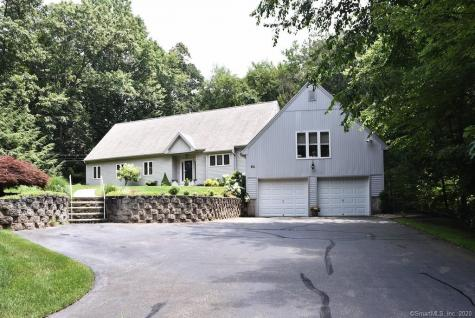 50 Carriage Cheshire CT 06410
