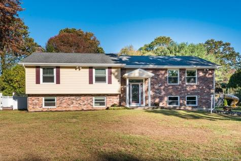 44 Colonial Waterford CT 06385
