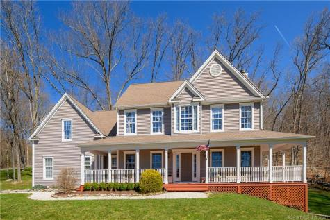 2 Everwood New Milford CT 06776