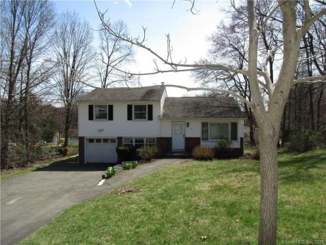 17 Deepwood Bethel CT 06801
