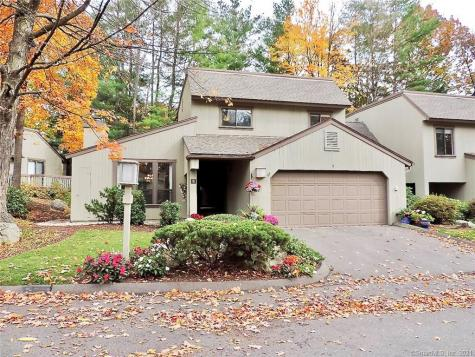 8 Applewood Avon CT 06001