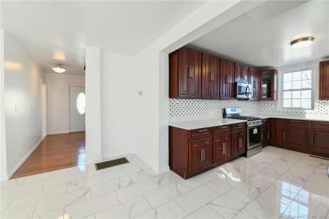 78 Rockwell Winchester CT 06098