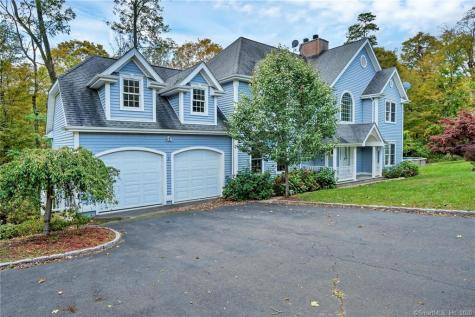 38 Middle River Danbury CT 06811