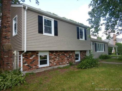 52 Lakeview Colchester CT 06415
