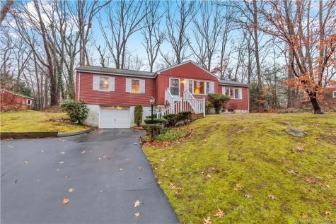 23 Old Hickory Branford CT 06405
