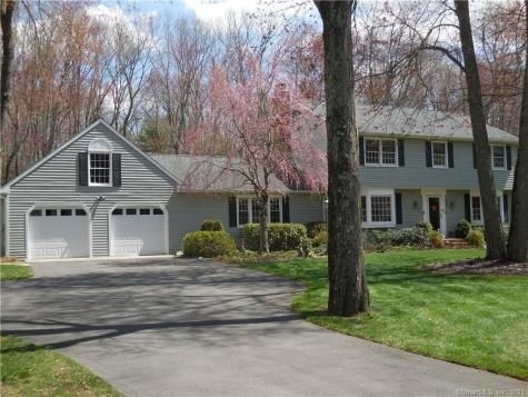 17 Colonial Bethel CT 06801