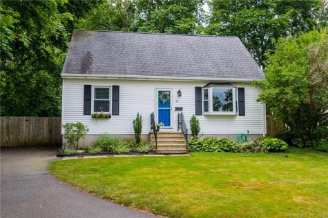 36 Willow New London CT 06320