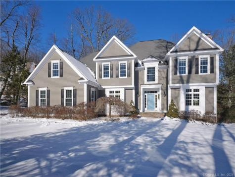 4 Clearwater Avon CT 06001