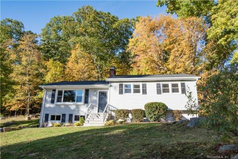 10 Deepwood Danbury CT 06810