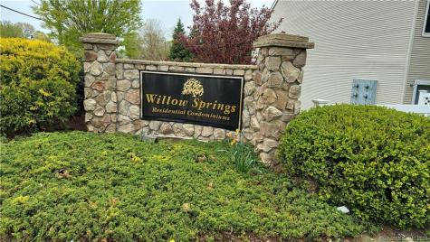 208 Willow Springs New Milford CT 06776