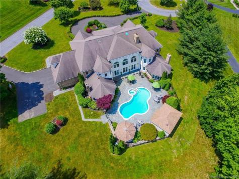 72 East Farms Middlebury CT 06762