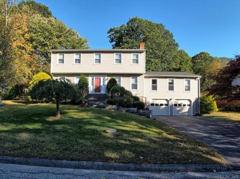 148 Lazy Brook Monroe CT 06468