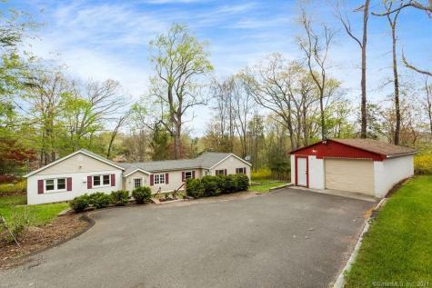 37 Candle Hill New Fairfield CT 06812