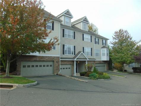 41 Woodcrest Danbury CT 06810