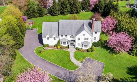 244 Hollow Tree Ridge Darien CT 06820