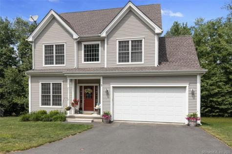 9 Valleyview Canton CT 06019