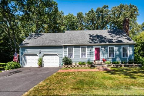 16 Happy Acres Clinton CT 06413