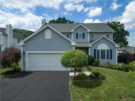 6 Clover Brookfield CT 06804