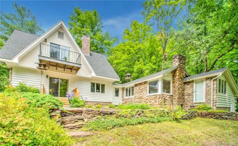 697 Cottage Grove Bloomfield CT 06002