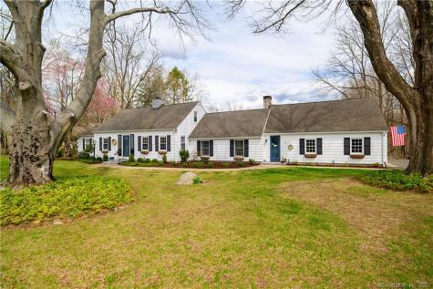 11 Long Meadow Hill Brookfield CT 06804