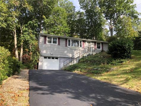 16 Deepwood Bethel CT 06801