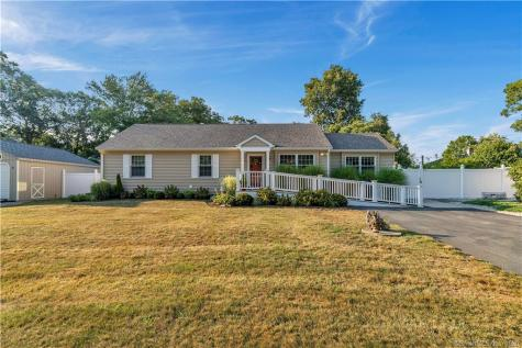 30 Moss Point Old Lyme CT 06371