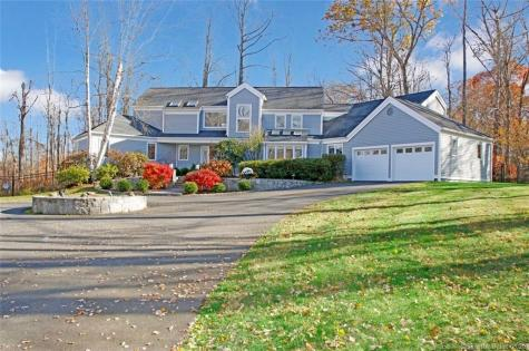 9 Horseshoe Ridge Newtown CT 06482