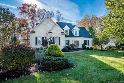 2 Muirfield Avon CT 06001