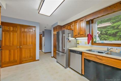 5 Rose Ridge Stonington CT 06379