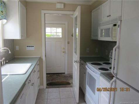 5 lower Woodland Columbia CT 06237
