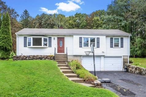 2 Brentwood Road New Milford CT 06776