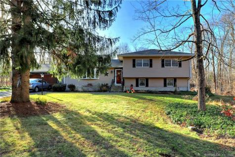 797 Old Litchfield Bethany CT 06524